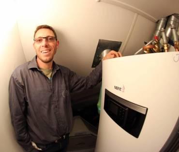 Warmtepomp unit binnen van Nefit 190 Liter